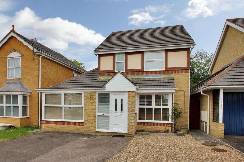 3 Bedrooms Detached House for sale in Clitherow Gardens, Southgate, Crawley, West Sussex