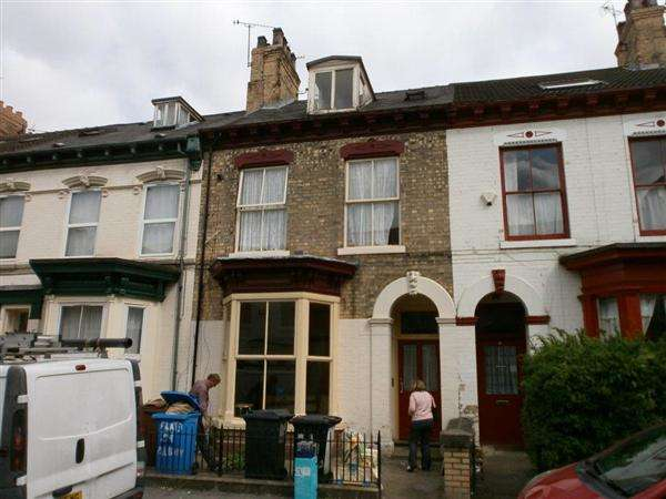 Terraced House for sale in Albany Street, Hull