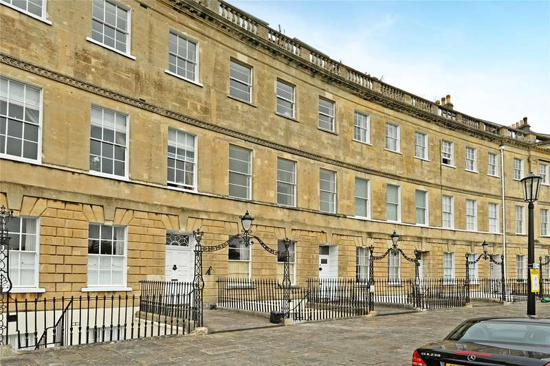 2 Bedrooms Flat for sale in Lansdown Crescent, Bath, BA1