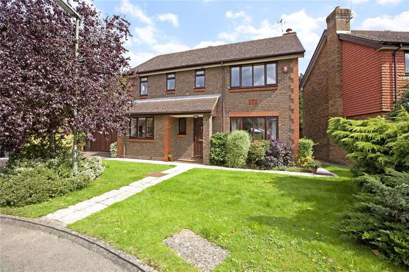 4 Bedrooms Detached House for sale in Summerfield, Ashtead, Surrey, KT21