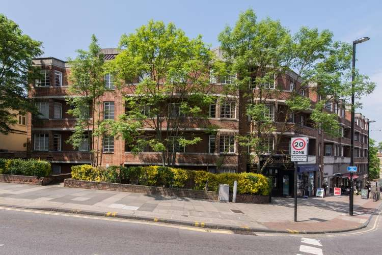 2 Bedrooms Flat for sale in Blackheath Village Blackheath SE3