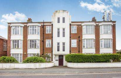 4 Bedrooms Flat for sale in Belle Vue Road, Bournemouth, Dorset