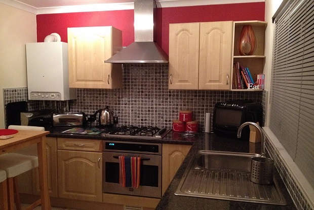 1 Bedroom Flat for sale in Gwaelodygarth, Merthyr tydfil, CF47