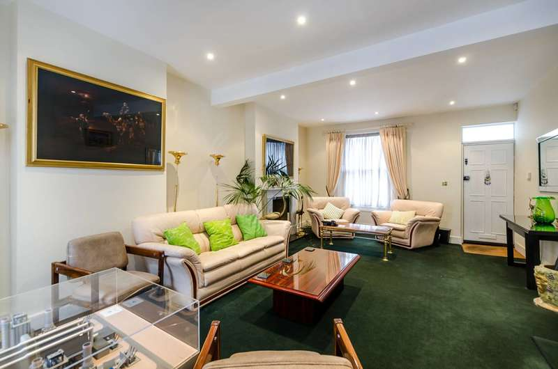 4 Bedrooms Terraced House for rent in Westmoreland Terrace, Pimlico, SW1V