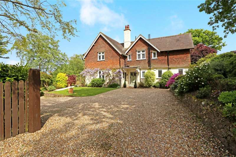 4 Bedrooms House for sale in Old Haslemere Road, Haslemere, Surrey, GU27