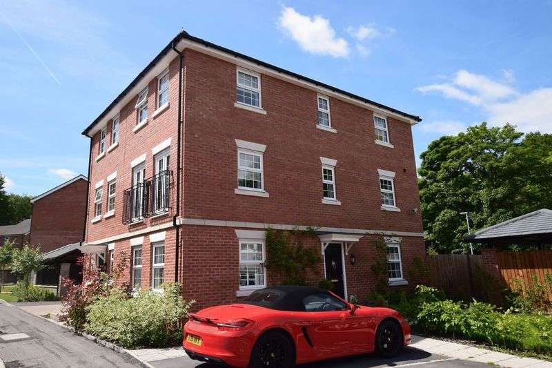 3 Bedrooms Semi Detached House for sale in Temple Road, Smithills, Bolton. STUNNING FAMILY HOME