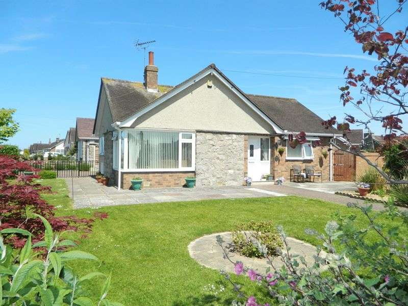 4 Bedrooms Detached Bungalow for sale in Trevor Avenue, Rhuddlan