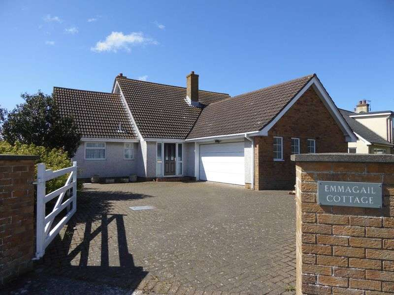 5 Bedrooms Detached House for sale in Qualtroughs Lane, Isle Of Man