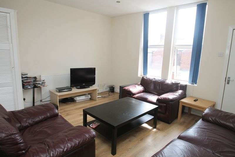 5 Bedrooms Maisonette Flat for rent in Rothbury Terrace, Newcastle Upon Tyne