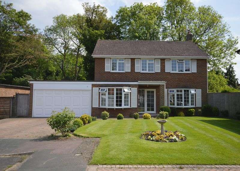 4 Bedrooms Detached House for sale in Central Wendover