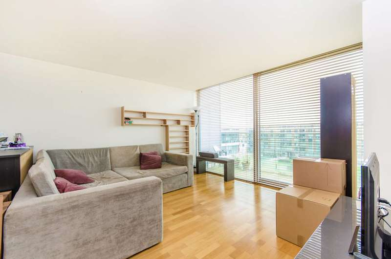 2 Bedrooms Flat for sale in Highbury Stadium Square, Islington, N5