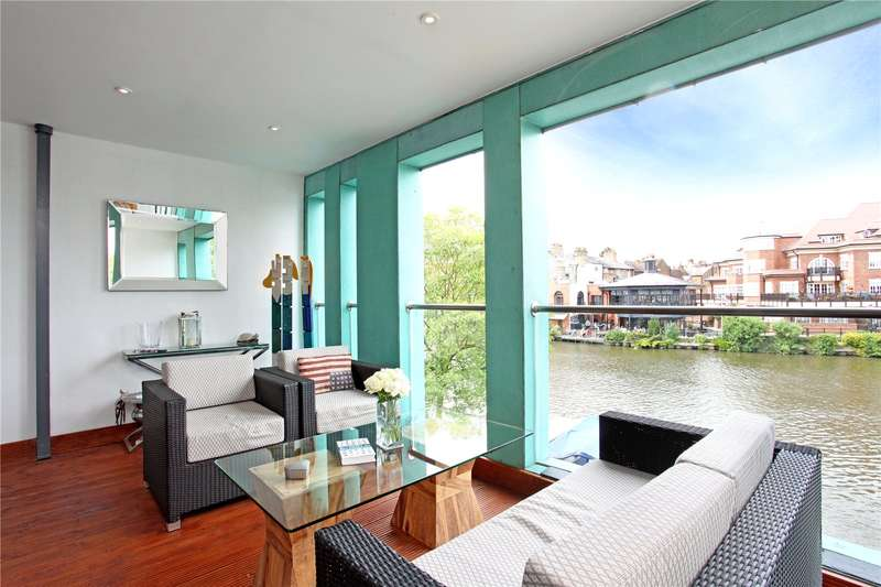 2 Bedrooms Flat for sale in Windsor Quay, Farm Yard, Windsor, Berkshire, SL4
