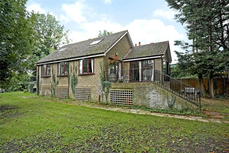 4 Bedrooms Detached House for sale in Wheatleys Eyot, Sunbury-On-Thames, Surrey, TW16