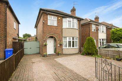 3 Bedrooms Detached House for sale in College Street, Long Eaton, Nottingham, Derbyshire