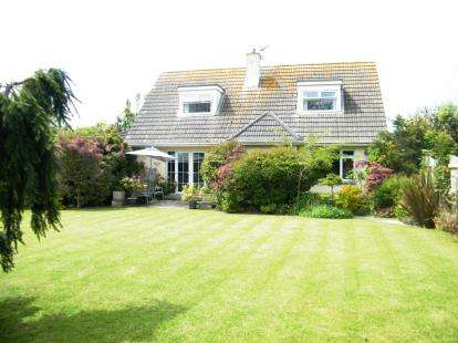 4 Bedrooms Bungalow for sale in Rosudgeon, Penzance, Cornwall