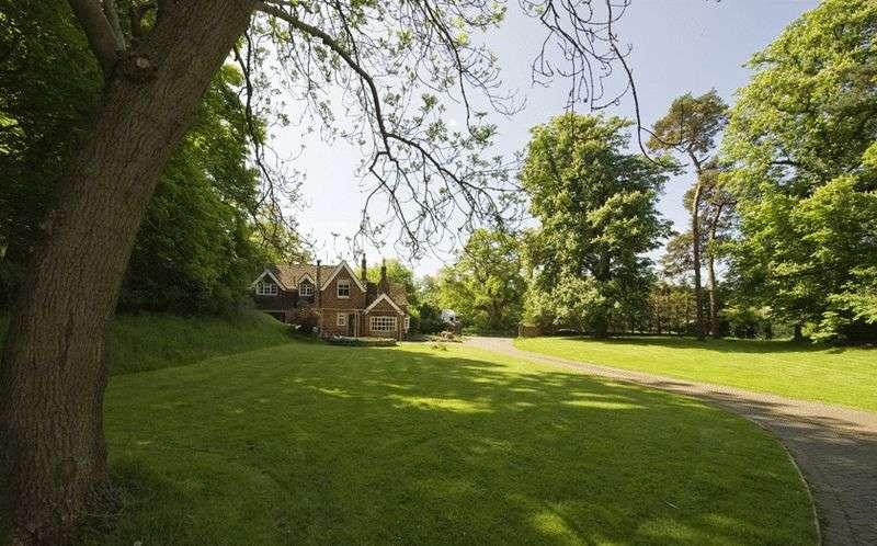 5 Bedrooms Detached House for sale in 'Kings Lodge' Bridgnorth Road, Stourton, Stourbridge