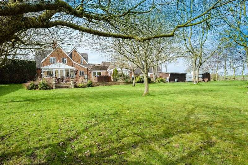 5 Bedrooms Detached House for sale in Chesterton Road, Pattingham, Wolverhampton