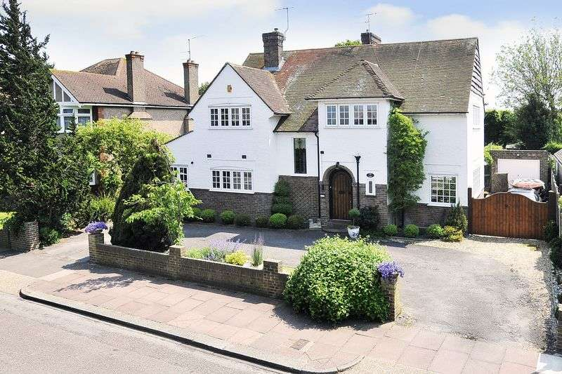 4 Bedrooms Detached House for sale in Bulkington Avenue, Worthing