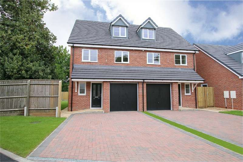 3 Bedrooms Detached House for sale in New Park Mews, Pensnett