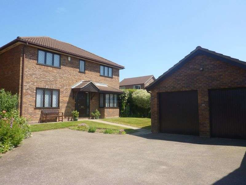 4 Bedrooms Detached House for sale in Thorpe Marriott, NR8