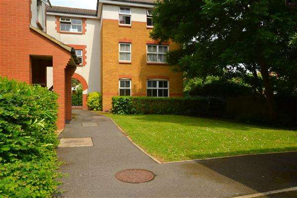 1 Bedroom Apartment Flat for sale in Old Park Mews