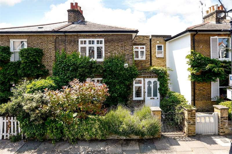 3 Bedrooms Semi Detached House for sale in Coalecroft Road, London, SW15