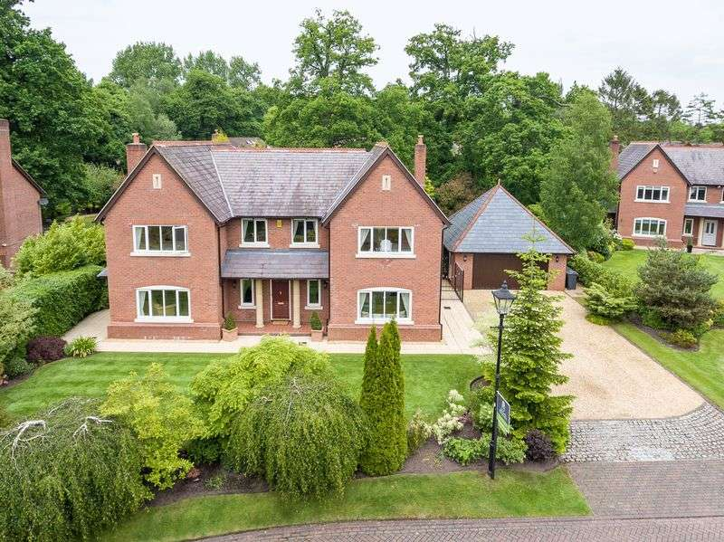 5 Bedrooms Detached House for sale in Longshaw Close, Rufford, L40 1XD