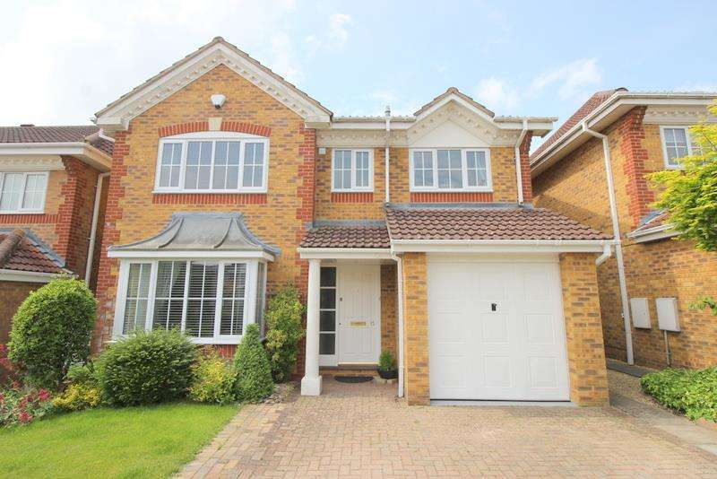 4 Bedrooms Property for sale in Horseshoe Crescent, Peatmoor, Swindon