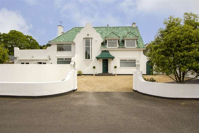 5 Bedrooms Detached House for sale in The Drive, Callis Court Road, Broadstairs