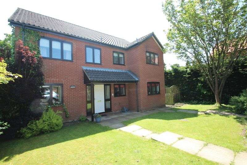 4 Bedrooms Detached House for sale in Quebec Close, Cringleford, Norwich
