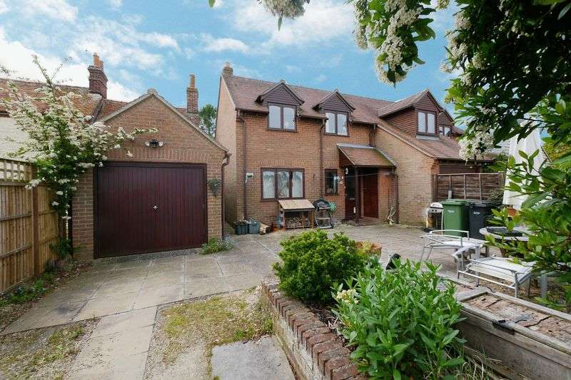 3 Bedrooms Semi Detached House for sale in BENSON