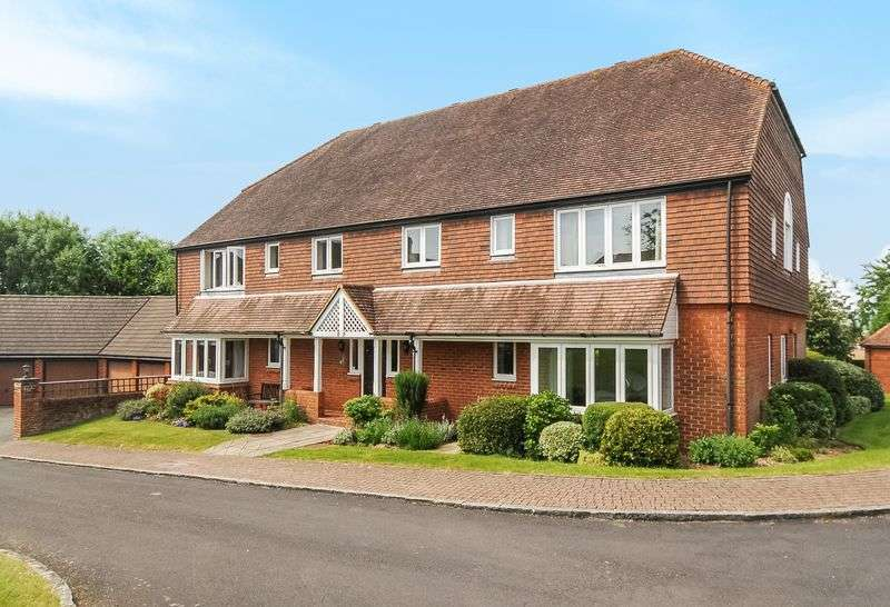 2 Bedrooms Flat for sale in Berehurst, Borovere Lane, Alton