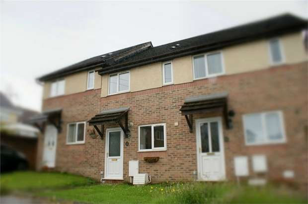 2 Bedrooms Terraced House for sale in Clos Y Deri, Dafen, Llanelli, Carmarthenshire