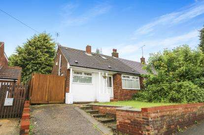 3 Bedrooms Bungalow for sale in Crawley Green Road, Luton, Bedfordshire
