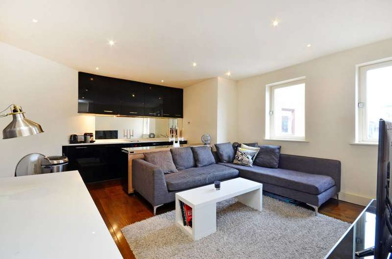 2 Bedrooms Flat for sale in Marshall Street, Soho, W1F