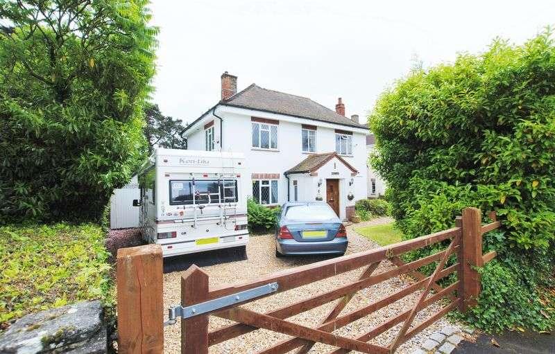 3 Bedrooms Detached House for sale in Douglas Crescent, Bitterne