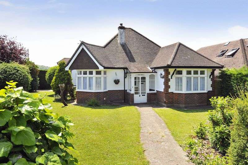 3 Bedrooms Bungalow for sale in Central Avenue, Worthing