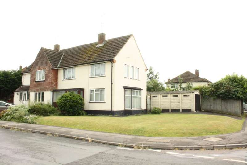 3 Bedrooms Semi Detached House for sale in Ravensbourne Drive, Woodley