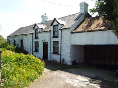 2 Bedrooms Detached House for sale in Llanfor, Bala, Gwynedd, LL23