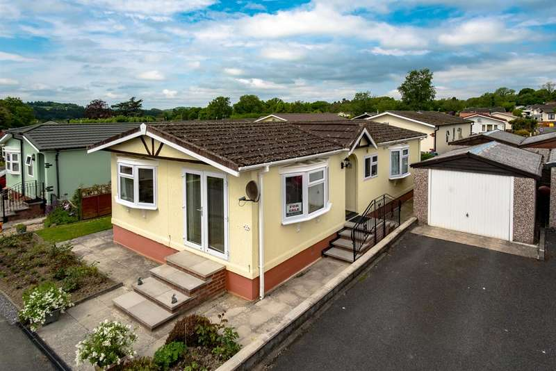 2 Bedrooms Park Home Mobile Home for sale in The Dell, Caerwnon Park, Builth Wells