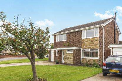 4 Bedrooms Detached House for sale in Sunningdale Drive, Eaglescliffe, Stockton-On-Tees