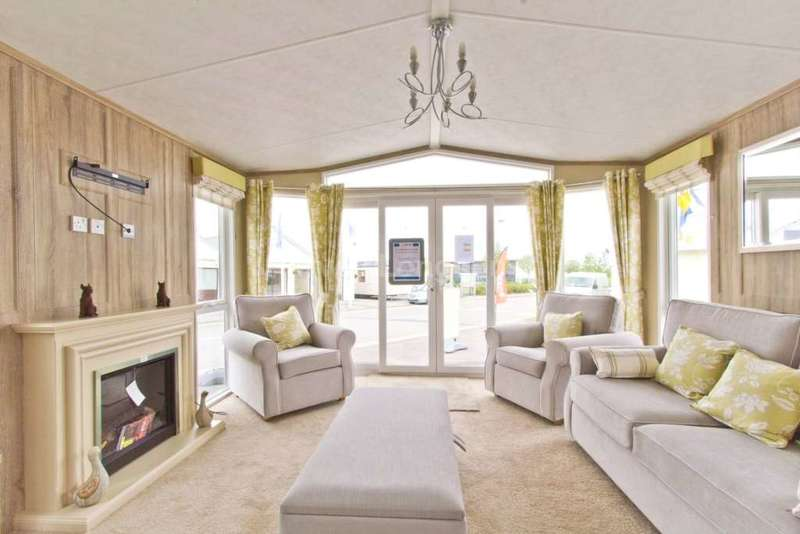 3 Bedrooms Lodge Character Property for sale in Flookburgh, Cumbria