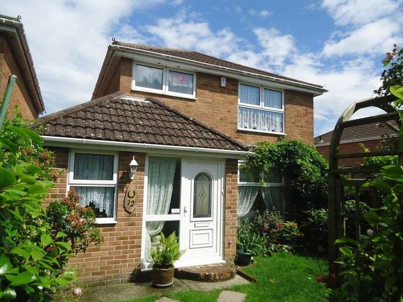 3 Bedrooms Detached House for sale in Hollam Crescent, Fareham