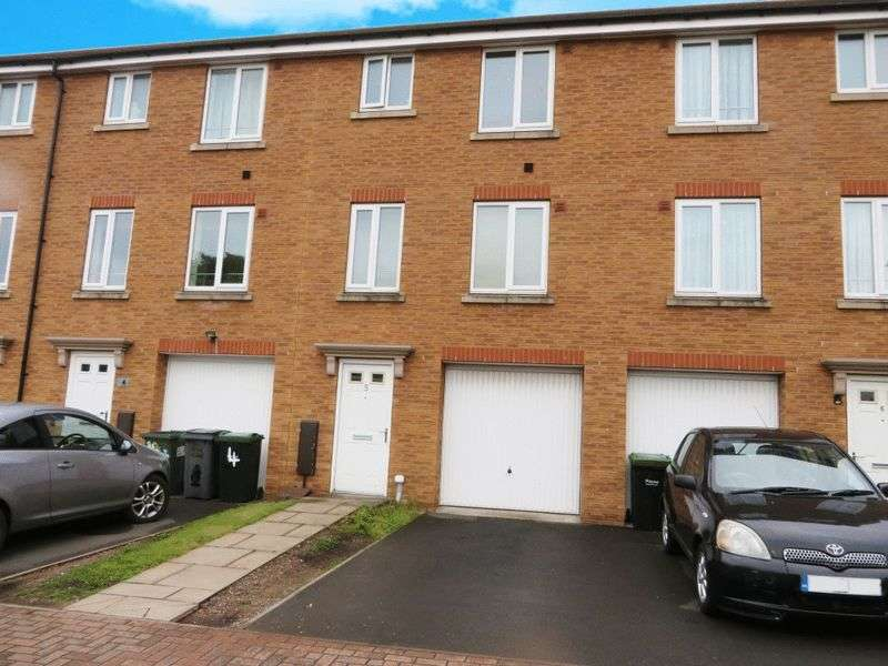 4 Bedrooms Terraced House for sale in Gowshall Drive, Oldbury