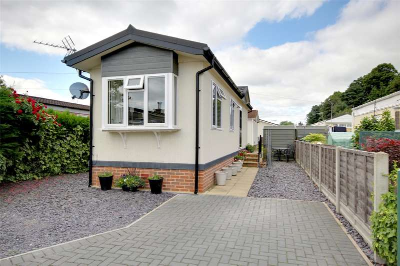 1 Bedroom Mobile Home for sale in Woodlands, Meadowlands, Addlestone, Surrey, KT15