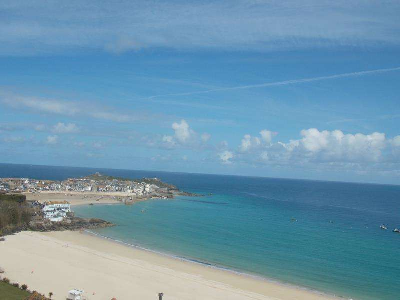 3 Bedrooms Terraced House for sale in Trelyon Avenue, St Ives