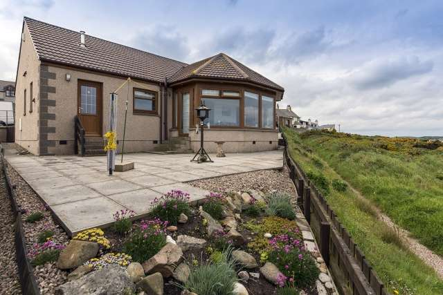 3 Bedrooms Bungalow for sale in 13 Victoria Gardens, Banff, Aberdeenshire, AB45 2JH