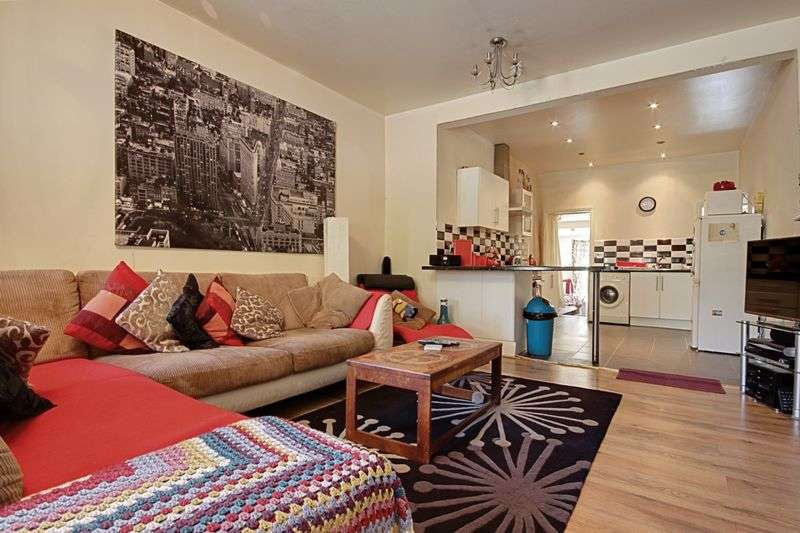 2 Bedrooms Flat for sale in 8A / 8B Caerleon Road