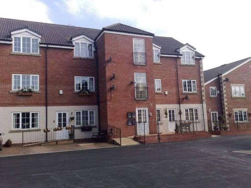 2 Bedrooms Flat for sale in Victoria Court, Bury