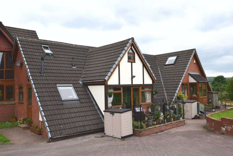 3 Bedrooms Mews House for sale in School Lane, Bolton